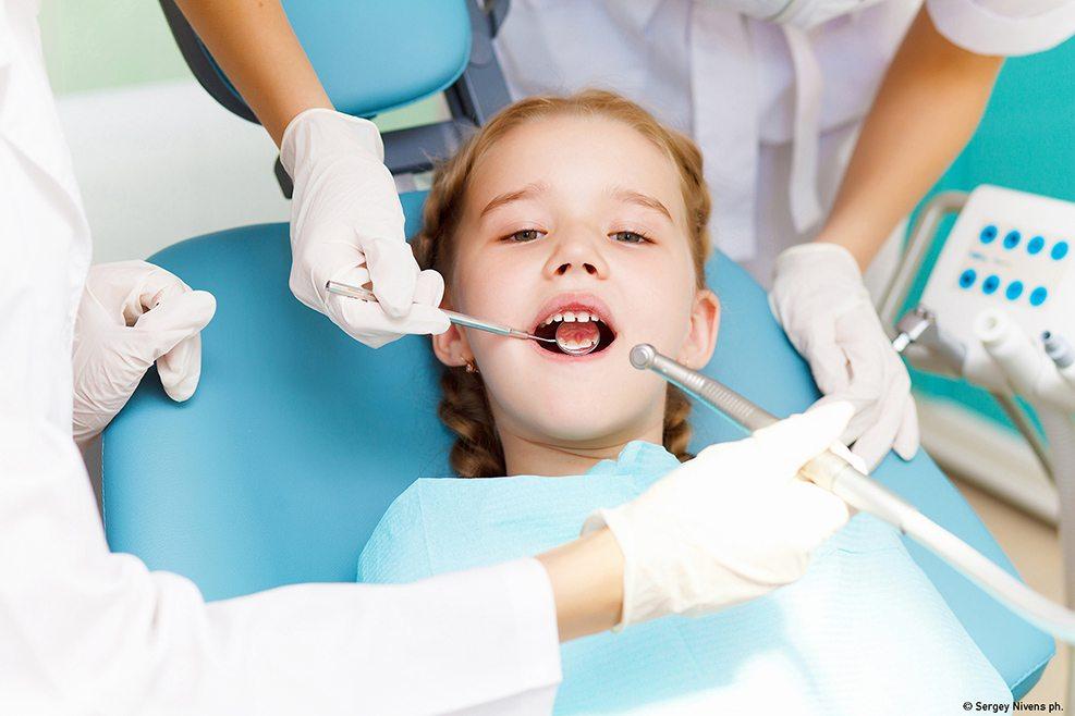 controllo dei denti da latte